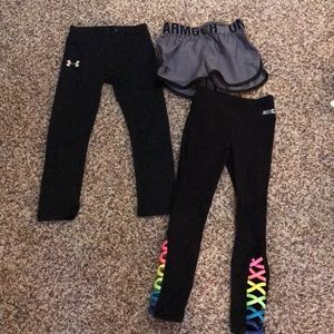 A lot of 2 leggings and 1 pr of shorts